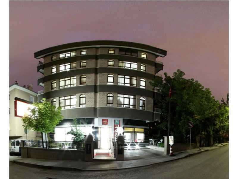 Bina Gece Dış Görünüş