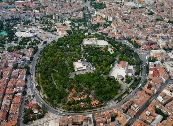 Konya: Zafer Çarşısı ve Yurt Çevremiz